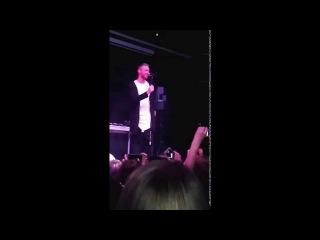 Егор Крид во Владивостоке уронил микрофон
