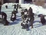 Драка Спортсмены против Солдат winter fight of russian hooligans