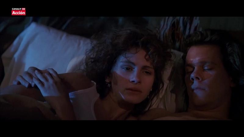 Julia Roberts Sexy Línea mortal ( Flatliners, 1990)