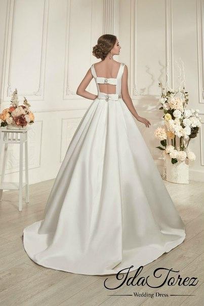 Шикарна весільна сукня, розмір 38