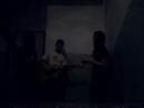 Филиппгитара Катя и Маша. концерт в подъезде ахаха