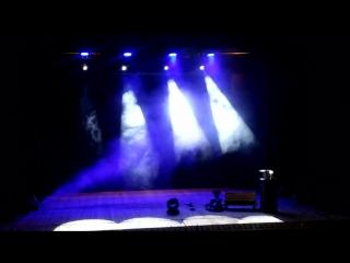 красные четаи. свет перед концертом светланы яковлевй
