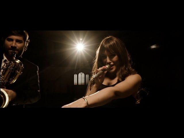 Marta Ren The Groovelvets - I'm Not Your Regular Woman [Official Video]