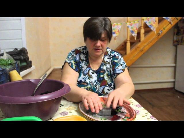 Пикируем томаты в пеленки