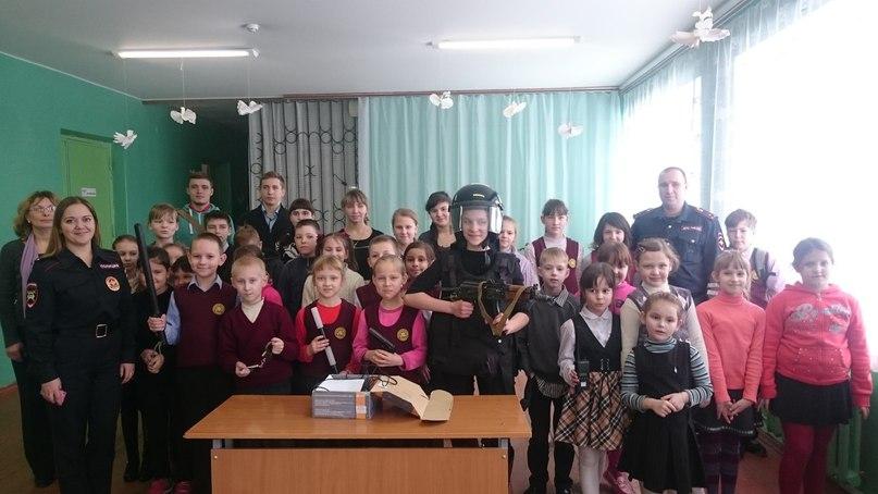 Урок мужества в Титовской Средней Школе