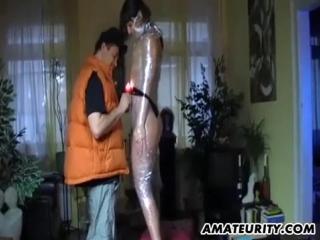 porno-obmotalas-skotchem-hhh-anal-s-razvratom
