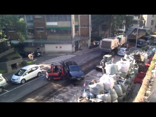 Forklift fun! Погрузчик и парковка!