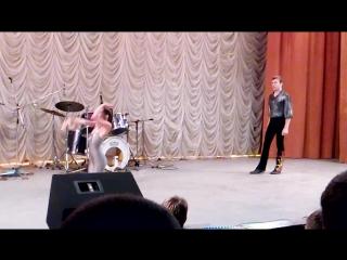 Цирковой номер  Акробатический дуэт -Елизавета Чурсина и Игорь Жовниренко