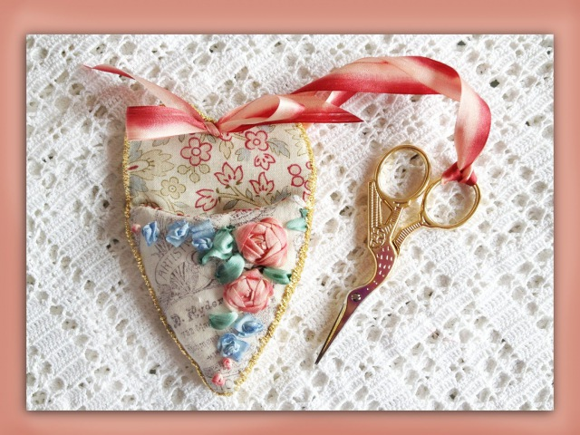 How to make a silk ribbon embroidered scissor keeper