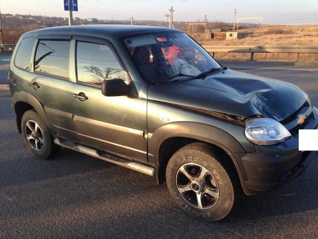 На трассе «Ростов-Таганрог» 22-летний водитель Chevrolet NIVA насмерть сбил 13-летнюю девочку