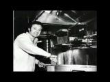 Vic Damone - It Makes No Difference (авторы песни - Берт Кемпферт, Herbert Rehbein, Milton Gabler)