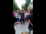 Батл уличных танцев в Краснодаре...Парень развеселил толпу..
