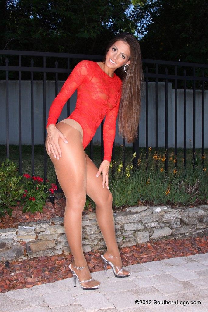Tessa sexy