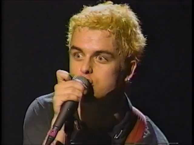 Green Day - She [Live in Chicago]