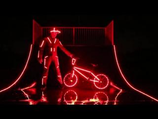 Трюки на велосипеде BMX с подсветкой. (Велотюнинг - Тюнинг велосипеда)