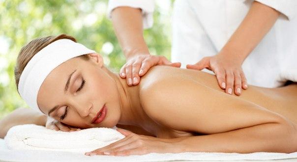 массаж женщине, массаж женщине с окончанием, раздеться на массаже,