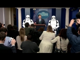 Stromtroopers flank @PressSec at White House...because everyone is excited about Star Wars Day! #TheForceAwakens