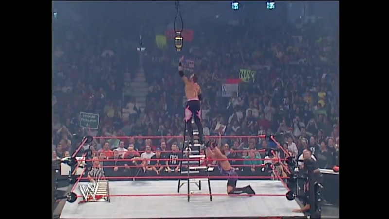 Christian vs Rob Van Dam - WWE RAW 09.29.2003