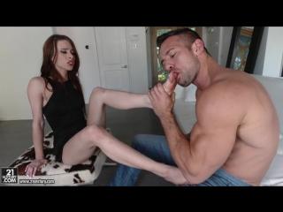 Устроил жесткий секс на диване