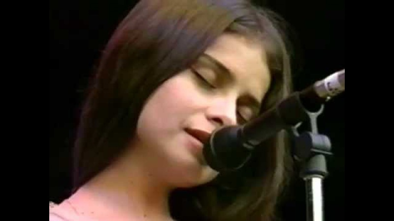 Mazzy Star - Flowers In December - 1021994 - Shoreline Amphitheatre (Official)