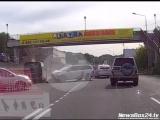 Столкновение трех машин на Вилкова снял регистратор