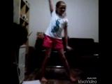девочка танцует это шоу гёрлз