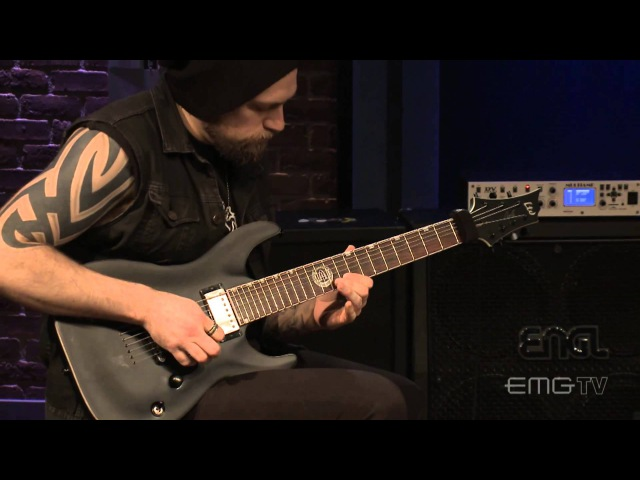 Andy James plays In The Fading Light on EMGtv