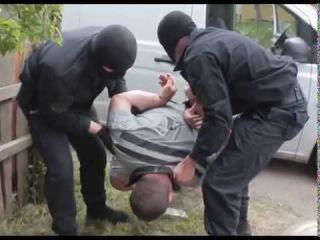 Калининградские полицейские задержали подозреваемых в незаконном сбыте янтаря