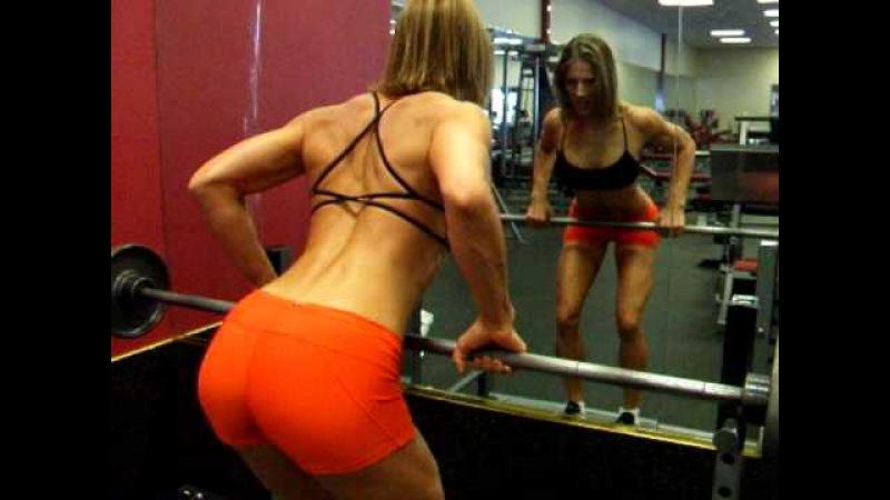 Fitness Tips with Chrissy Zmijewski: BB Bent Over Row