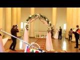 Приколы с невестами очень смешно слетело платье