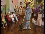 Моя роль бабы Яги на новогоднем утреннике в подготовительной группе детского сада( видео срезала)