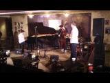 Ivan Farmakovsky Trio featuring Vitaly Golovnev - Along Came Betty
