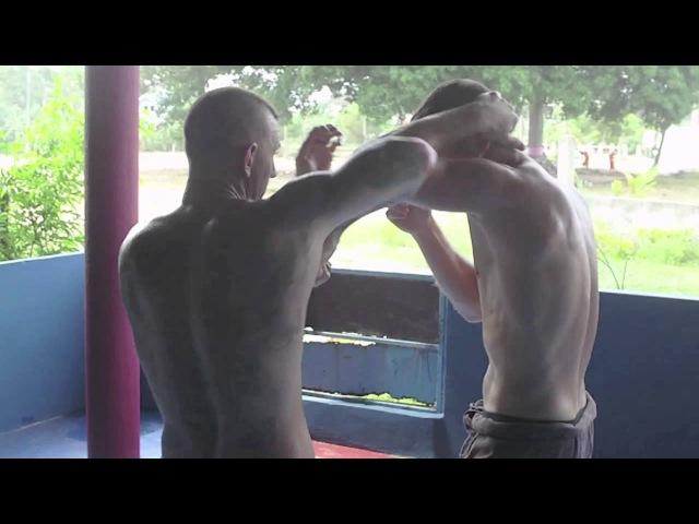 Muay Thai Boran Reflex Training by Muay Chaiya Peter som sanchatayan
