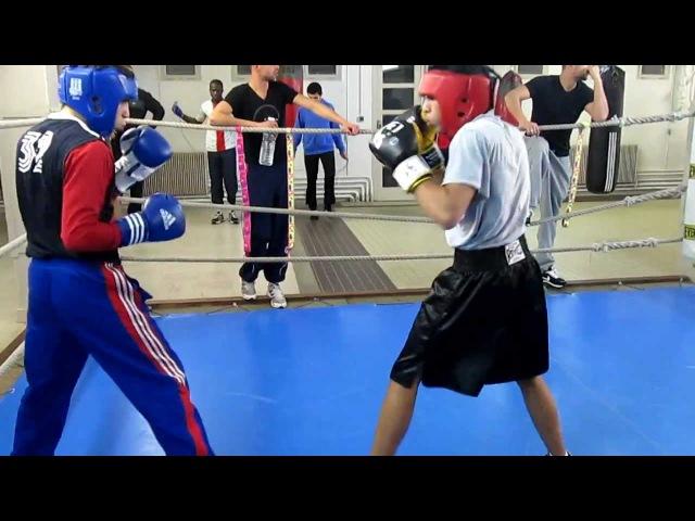 Amateur boxing sparring
