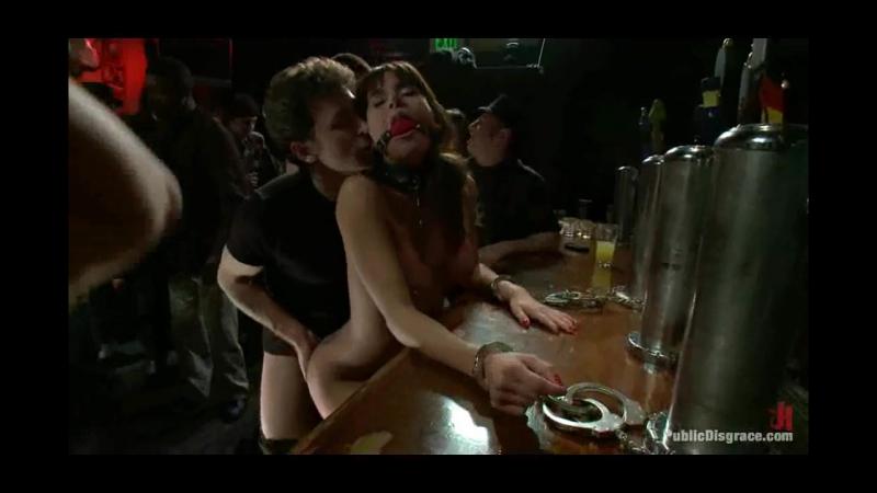 Gia Dimarco - The В каком-то баре опустили морально и физически публично.