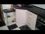 Классическая кухня. Комбинированная столешница под угол в 45 градусов.
