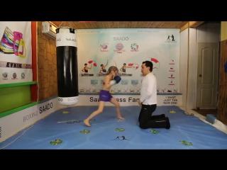 俄罗斯小妹8岁拳击就这么猛,长大谁还敢娶你啊!【酷客春季】_高清