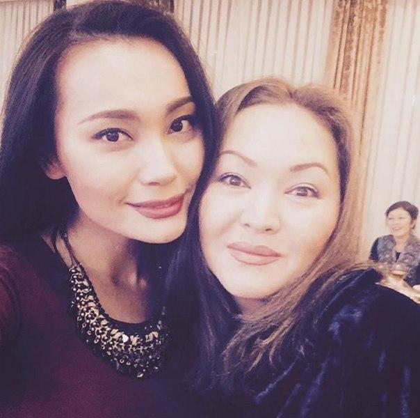 Недавно, Жанар отписалась в Инстаграме от Багым Мухитденовой и от Баян.