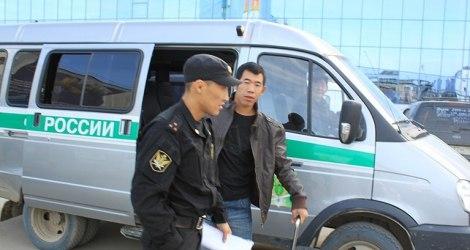 Восемь мигрантов выдворены из Якутии за нарушение миграционного законодательства
