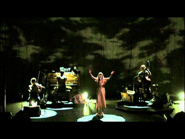Camille Au port live à l'Olympia extrait de Ilo Lympia