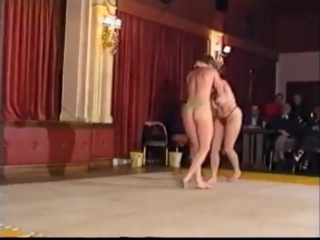 Maggie Jennings vs Ayeshia Festelle Female Wrestling