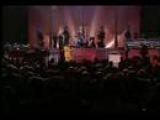 Carl Carlton sings