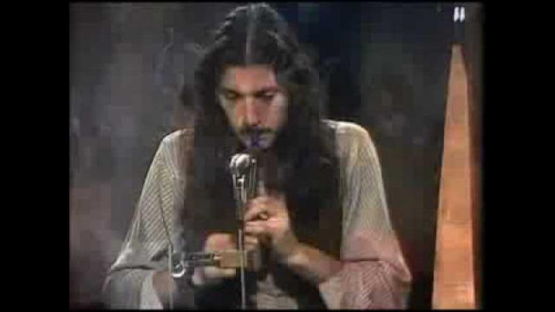 Clannad - Teir Abhaile Riú (1977) Clannad perform in a TV studio
