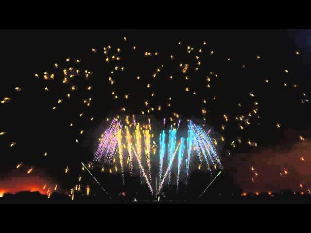 Потрясающие фейерверк с музыкой Awesome Fireworks Synchronized with Music