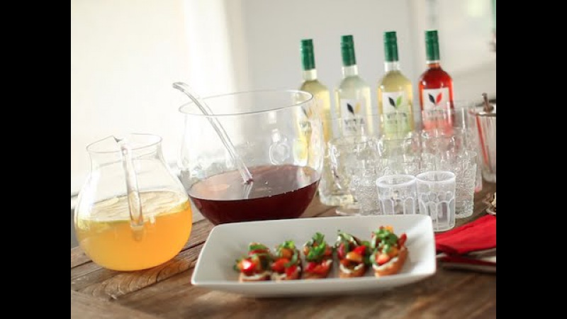 Easy Holiday Party Punch Crostini