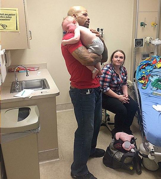 Бывший боец UFC Хьюстон Александр отец одиночка, и растит шестерых детей. А в 20...