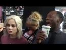 Роуз и Малкольм поют во время съемок второго сезона
