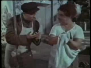 Самоуверенный карандаш. (1955). М. Румянцев (Карандаш), Г. Милляр (дворник)