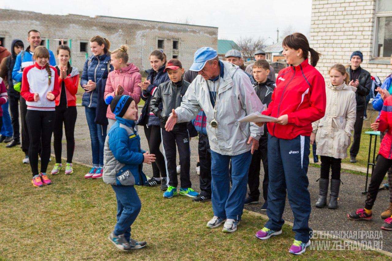 В станице Зеленчукской прошли соревнования по легкой атлетике