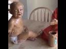 Ребенок в арахисовом масле